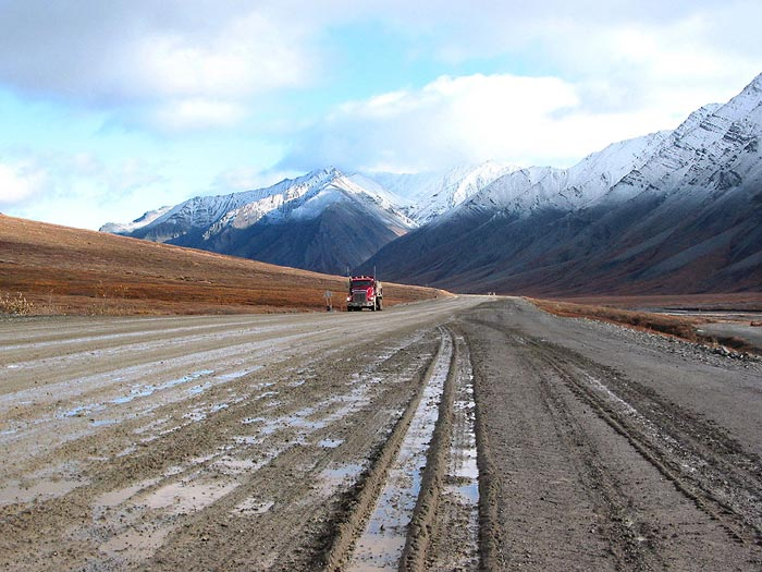 Dalton Highway, Atigun Pass